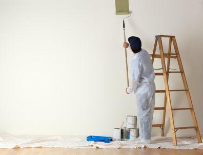 Jak usunąć tłustą plamę ze ściany